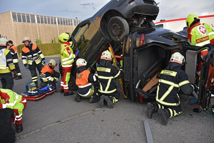 11 Feuerwehr-Rettungsübung.jpg