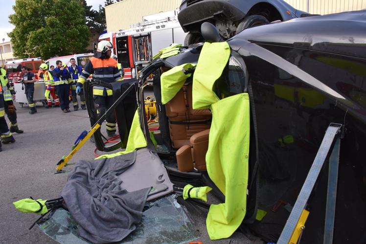 19 Feuerwehr-Rettungsübung.jpg