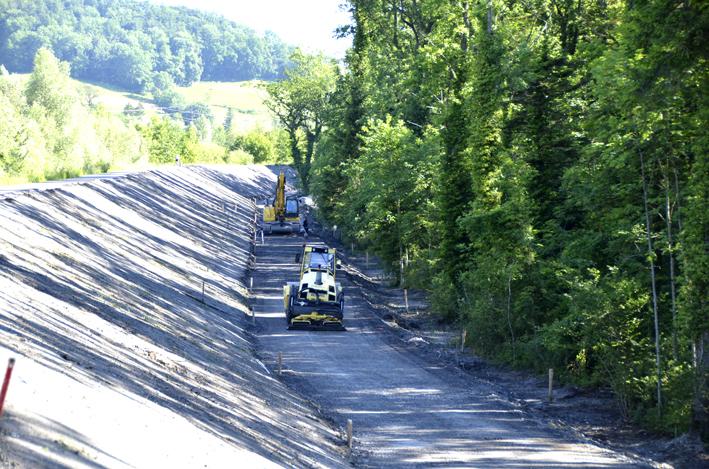 44 Juni Bau Versorgungsstraße Rheindamm.jpg